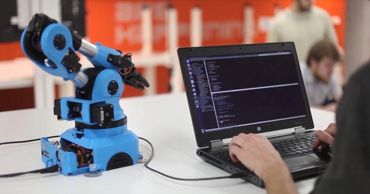 利用3D列印製作的Niryo One機械手臂套件