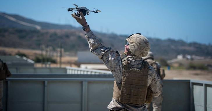 川普不僅要在美墨邊界築圍牆,還要投入人臉辨識無人機加強巡邏 | T客邦
