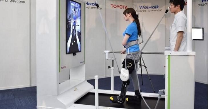 為什麼日本汽車廠商都在開發老人照護機器人?