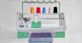 這台機器不是3D印表機,而是讓你印毛衣