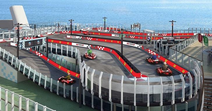 這艘郵輪在甲板上打造了一個卡丁車賽車場!總長230m、可同時容納10輛卡丁車競速