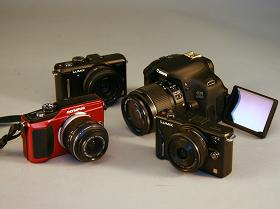 8台可交換鏡頭相機,誰是錄影自動對焦王?