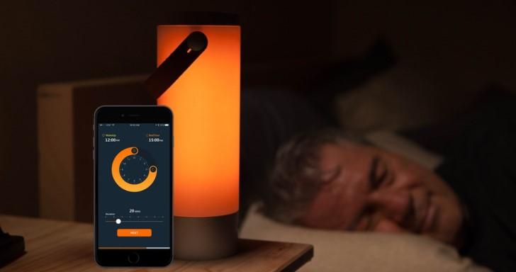 UP智慧助眠提燈,透過調整生理時鐘增進睡眠品質