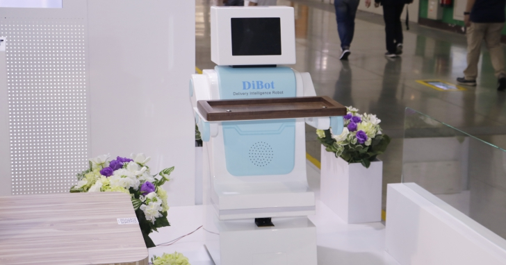 BenQ 展出從零售業到醫療照護全方位解決方案,活用物聯網、機器人等技術