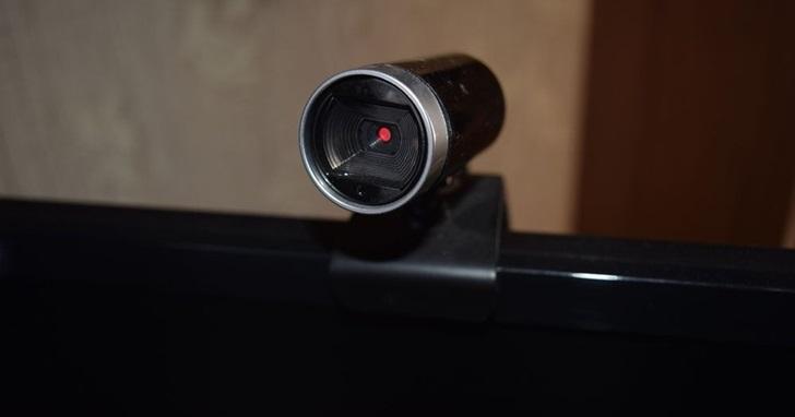 在中國只要花 840 元台幣,你不用是駭客也能侵入別人家中的網路攝影機