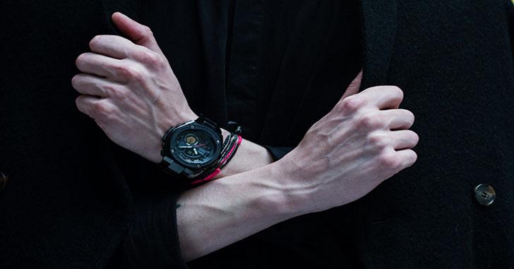 G-SHOCK攜手紐約當紅男裝設計師Robert Geller推出聯名款 G-STEEL GST-200RBG-1A以東京午夜為設計主題