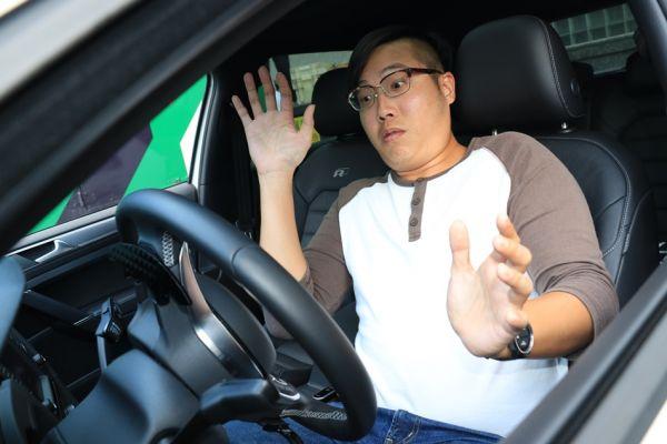 這些是三寶常犯的4種錯誤駕駛坐姿,矯正姿勢才能讓你成為真正的老司機!