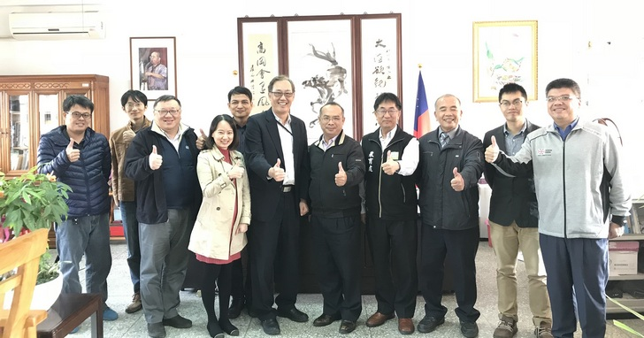 台灣微軟攜手雲林縣政府,推動程式教育「一小時玩程式」