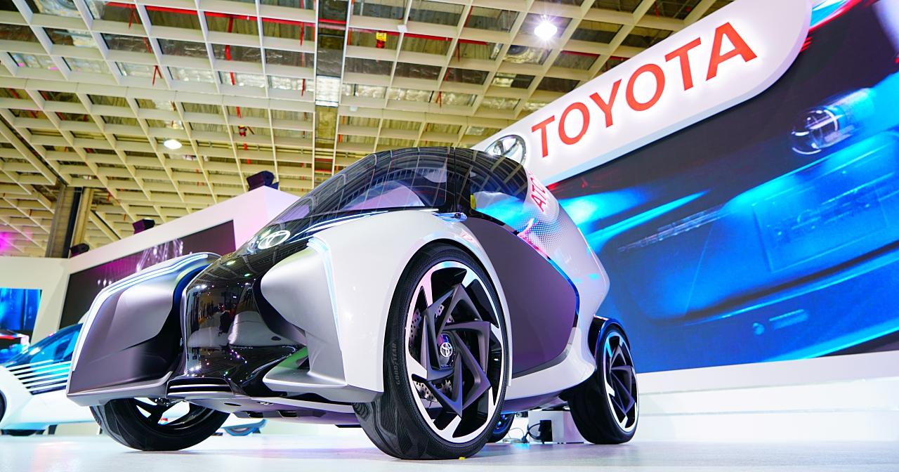 直擊 Toyota i-TRIL Concept 概念車:三人座、自動駕駛、電池動力、續航200公里