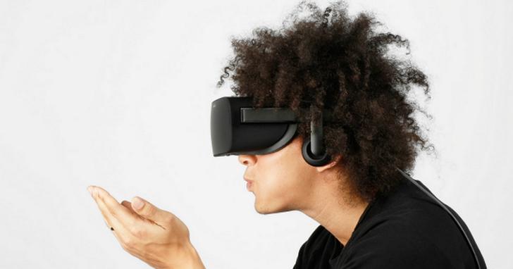 小米前副總裁Hugo Barra 再度登台發佈了一款小米產品:小米聯手 Oculus 推出Mi VR 一體機