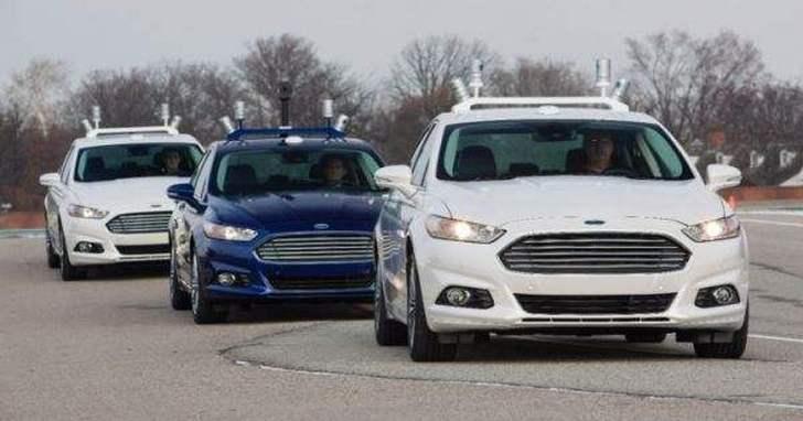福特自動駕駛汽車發生車禍,兩名測試人員送醫救治