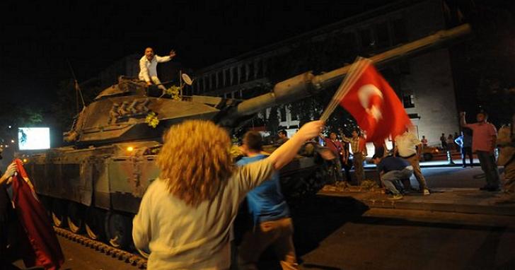 網路時代搞白色恐怖才最恐怖!土耳其政府因為一行程式碼逮捕5萬多人、上千人入獄