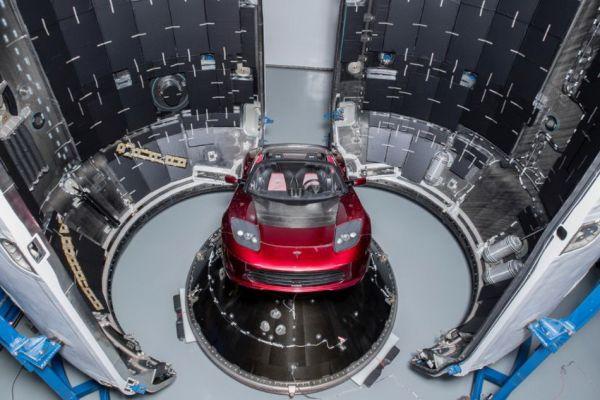 現實「鋼鐵人」就是狂,Elon Musk的Telsa Roadster將要前往火星軌道啦!