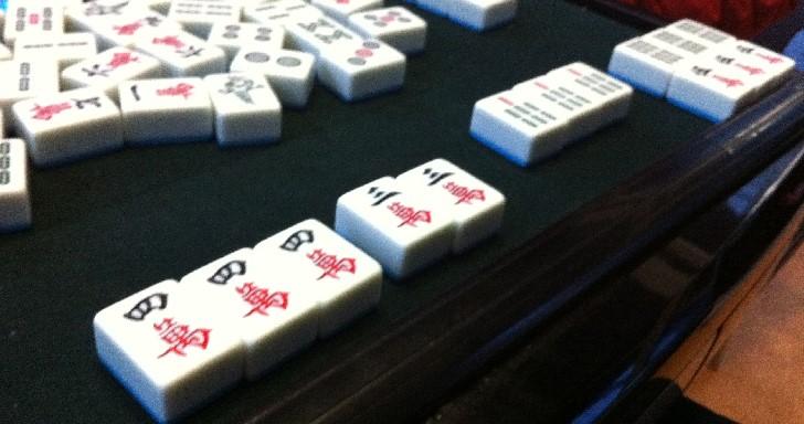 想打麻將卻不會算台?4台手機讓團聚家人也能開桌