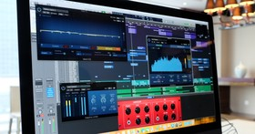iMac Pro 到底有多厲害?可以一次編輯 80 個以上音軌、可以邊開發遊戲邊玩 VR