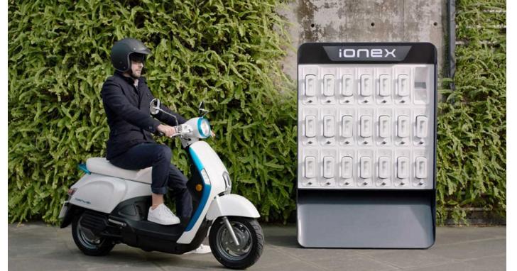 正面決戰Gogoro!KYMCO發表「Ionex車.能.網」,不用找充電站可在家充電
