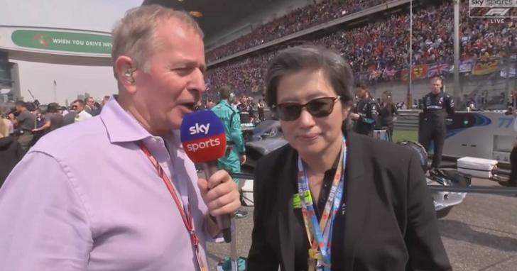 年度最狂路人!體育記者在F1賽場採訪「路人」竟是AMD CEO