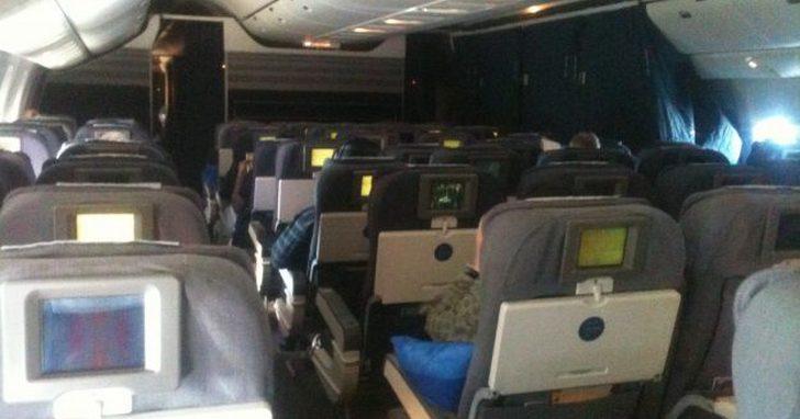 比經濟艙還不如,航空公司低價策略會引發階級意識