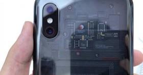 小米8透明探索版最大的創新,可能是將背殼變成高通的廣告牌