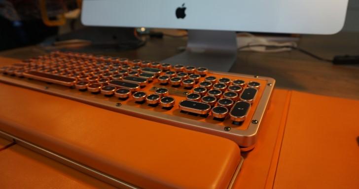Computex 2018:Azio打字機鍵盤更新60%版本,還有更多配色與手托、鼠墊 | T客邦