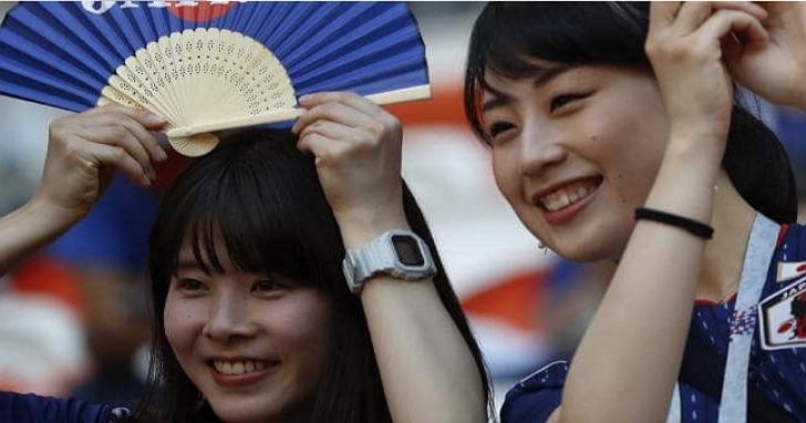雖然本屆世界盃足球冠軍隊還很難說,但是日本球迷的球場表現已經是冠軍了