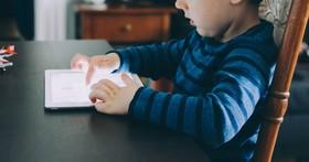 暑假,你的孩子只剩下網路嗎?!小心網路「誤人子弟」的五大危險!