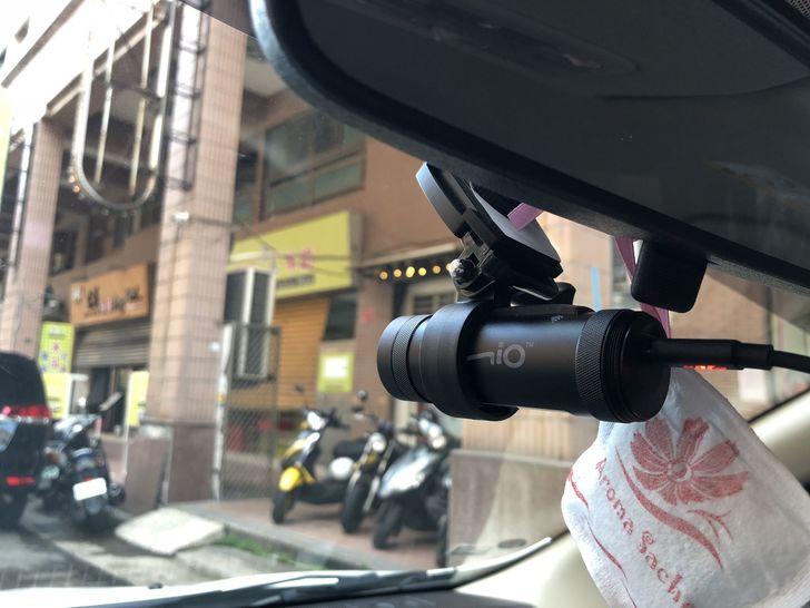 [心得] 【開箱】Mio MiVue™ M733支援前後雙鏡頭,無線傳輸,不怕風雨清晰還原