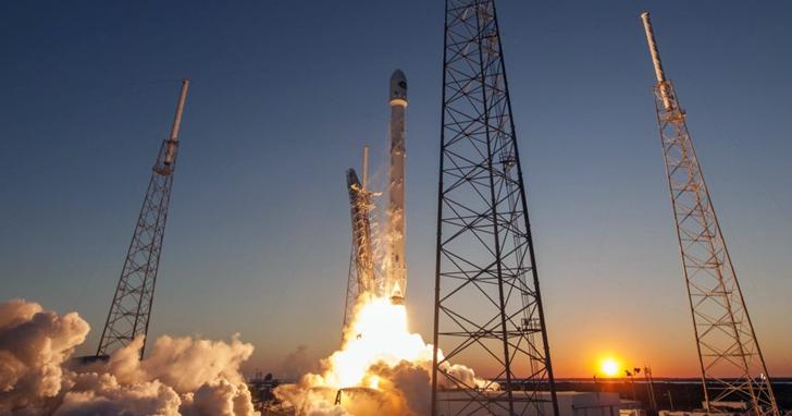 SpaceX 引領新一輪太空競賽,火箭發射越來越便宜