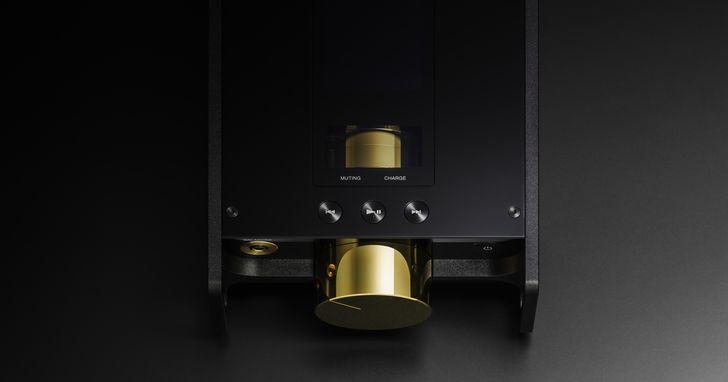 Sony 發表 Signature 系列全新Hi-End 耳機 IER-Z1R  ,還有一款「浩克級」可攜式音樂播放器 DMP-Z1