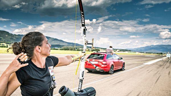 時速215km/h凌空攔截飛箭!Skoda Octavia Combi RS 245 創金氏世界紀錄