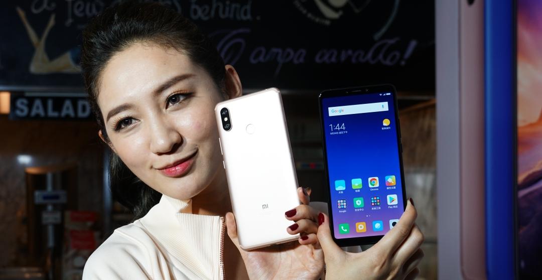 6.9 吋超大螢幕小米 MAX 3 月底開賣,售價 7,999 元