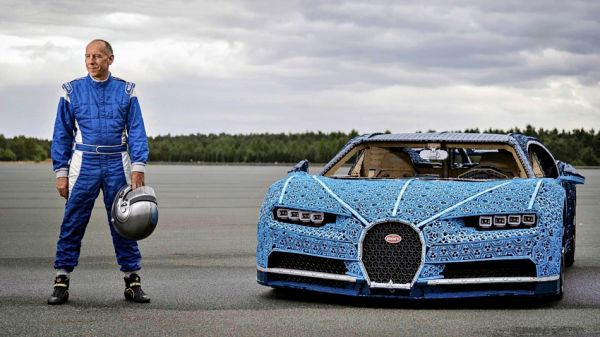 LEGO 樂高打造「1:1 真實比例」的 Bugatti Chiron,真的能開上路!但有密集恐懼症的人看了會崩潰 | T客邦