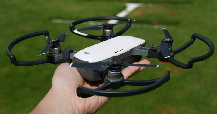 大疆在美國被告侵犯無人機專利,請求禁止銷售無人機到美國,但背後告他的其實是另一間深圳的公司