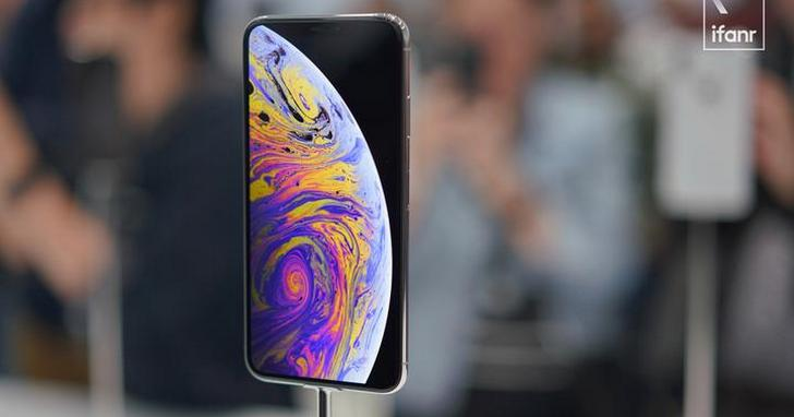 新款 iPhone 三機現場上手:蘋果真的沒打算做平價機