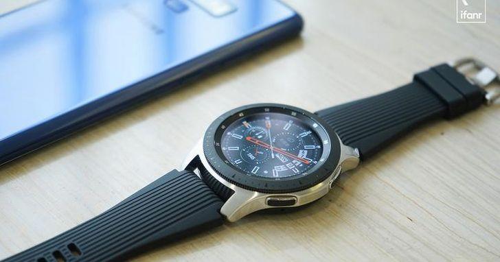 三星 Galaxy Watch:有著 46mm 的大圓盤,卻要當大潮流下的低調者