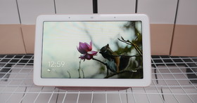 Google Home Hub 智慧顯示器動眼看:可愛外型內裝 Google 助理、用語音代替操控