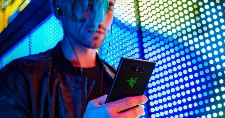 Razer Phone 2 正式登場:多了幻彩 RGB 燈,能讓它賣得更好嗎?