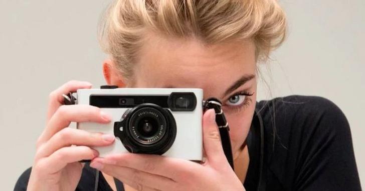法國設計師為你的手機,做了一台能用徠卡鏡頭的新「玩具」