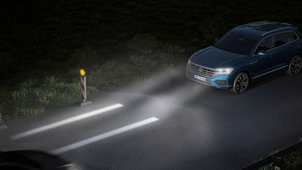 誰說車頭一定要雷射大燈!Volkswagen IQ.Light 矩陣式 LED 技術「照」出不同風景