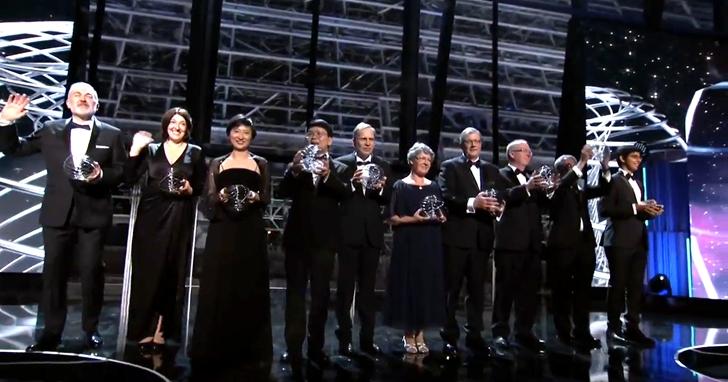 有「科學界奧斯卡」之稱的「突破獎」頒獎典禮上,時尚、娛樂以及企業界的明星名流也跨界助陣