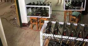 中國一所中學電腦教室網路總是不順、半夜教室傳出怪聲音...追查發現原來是校長偷偷放了九台挖礦機