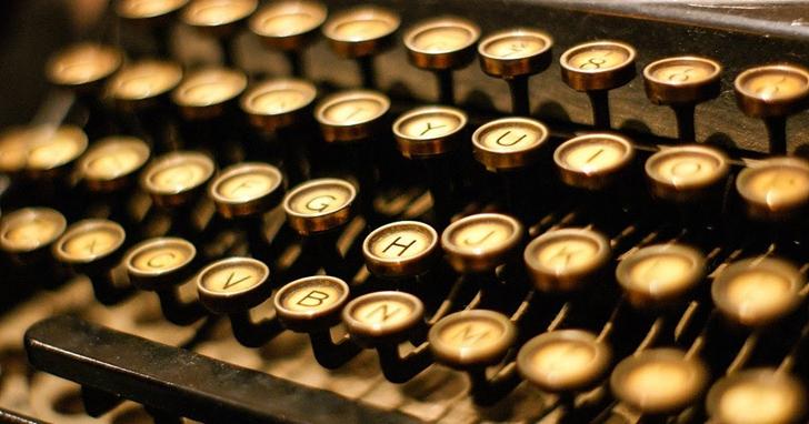 鍵盤上奇怪的字母排列方式,140 年來竟然難以更改