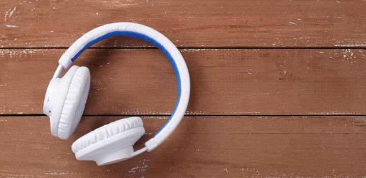 亞馬遜 Alexa 對智慧耳機開放,高通為其提供最簡單的產品方案、讓語音助手直接植入到耳機裡
