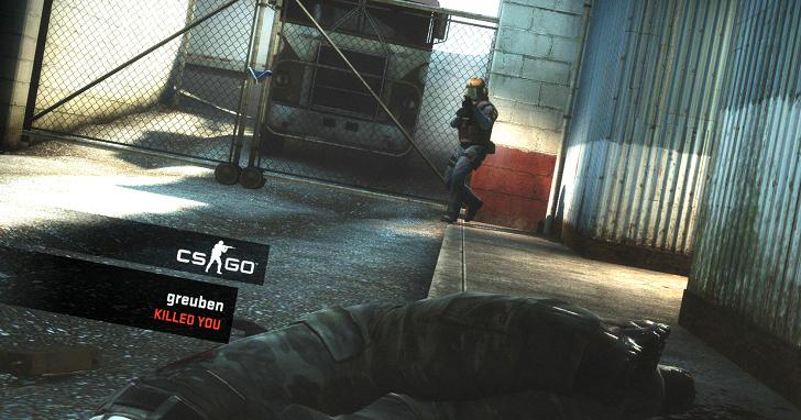 《CS:GO》開放免費遊玩的首日,就收到了超過 14,000 個負評