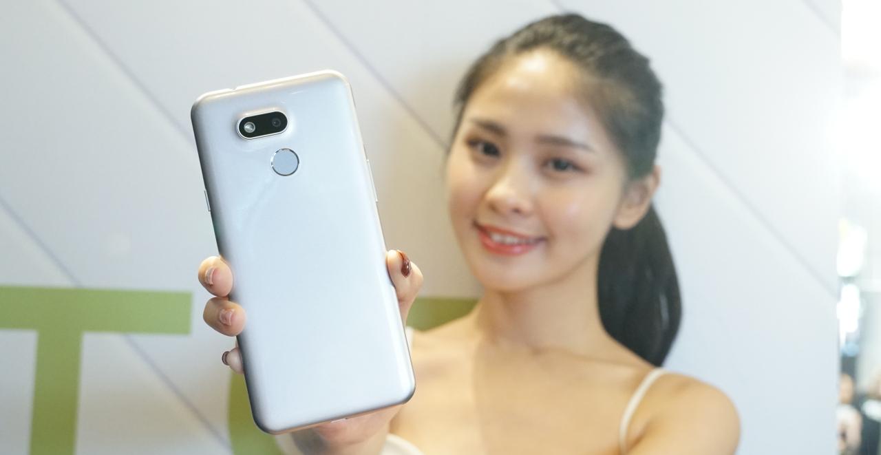 HTC Desire 12s 登場!前後 1300 萬畫素相機,售價 5990 元起一月開賣