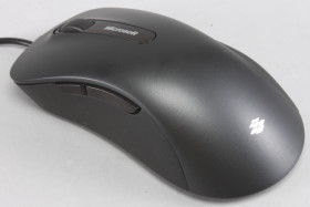 使用藍光技術,微軟舒適滑鼠6000  動手玩