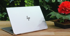 HP EliteBook 1050 G1 高效能商務筆電評測:六核心加獨顯配置,軟硬體全面升級安全防護