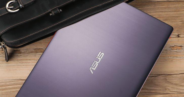 Asus VivoBook S14 S430UN- 14吋窄邊框加撞色的搶眼設計