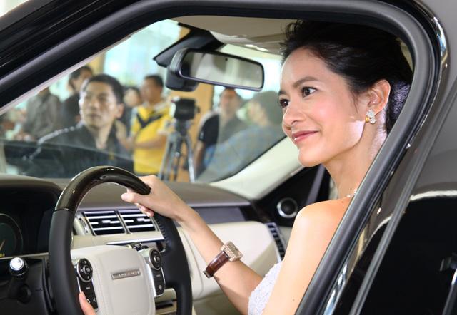 2013 All-New Range Rover上市之我好愛陽光美女 Janet 篇