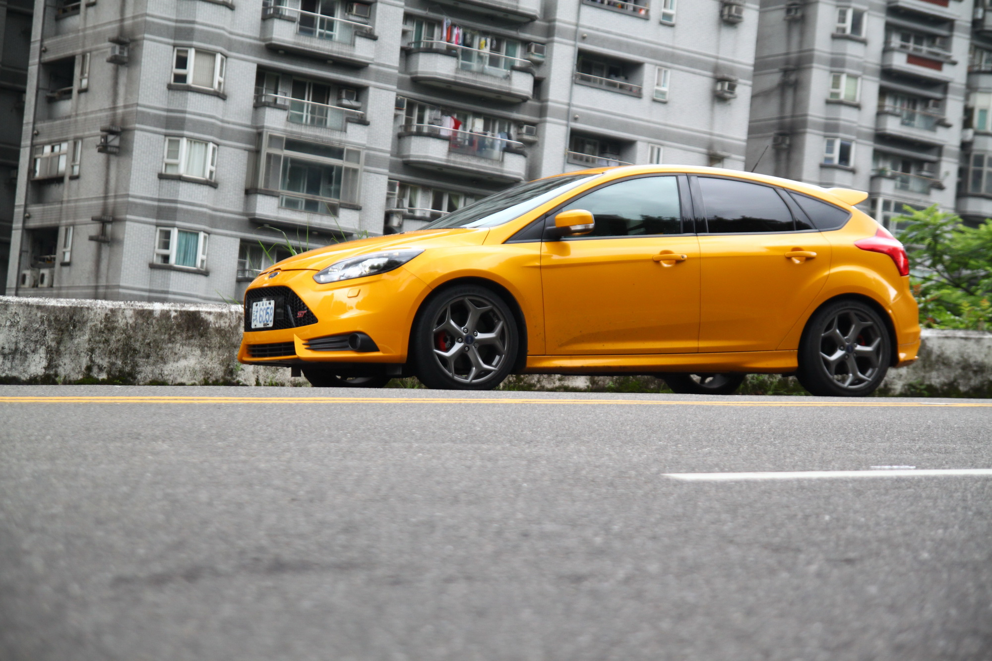 2013 Ford Focus ST 2.0 EcoBoost試駕!不用中大樂透,中統一發票就該牽這台